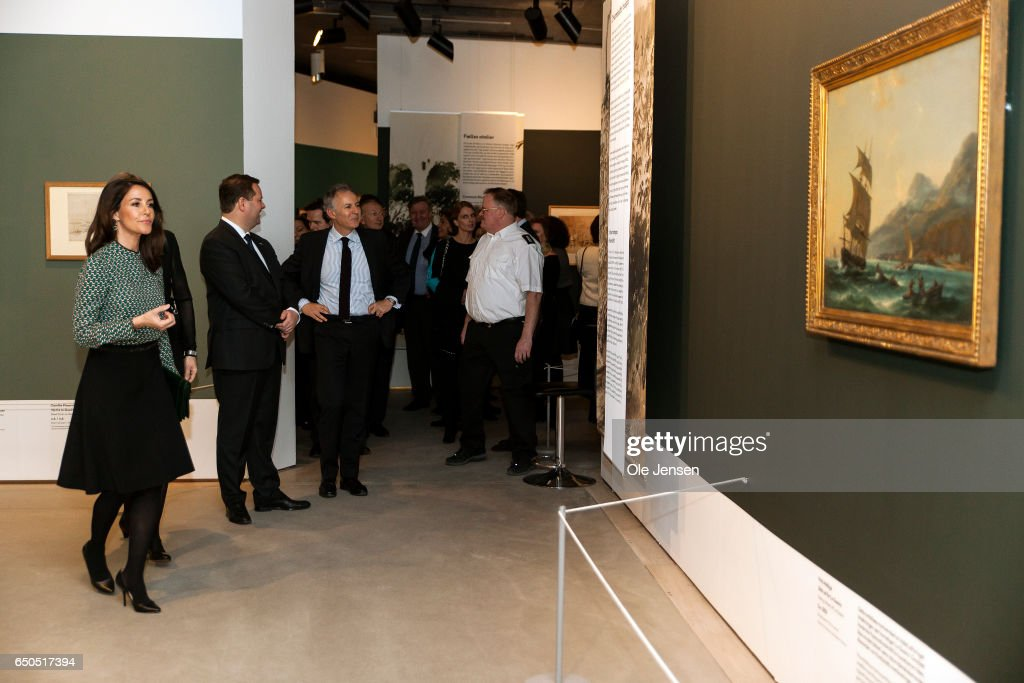 princess-marie-of-denmark-attends-the-opening-of-the-art-exhibition-picture-id650517394