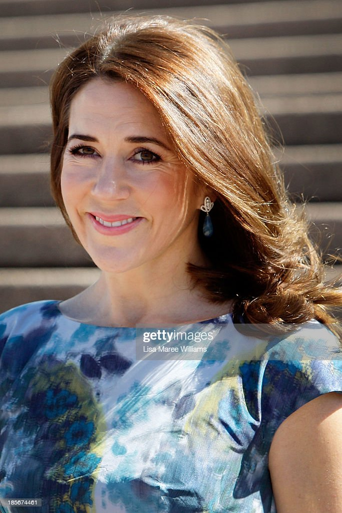 Princess Mary of Denmark arrives at the Opera House forecourt on October 24, 2013 in Sydney, Australia. Prince Frederik and Princess Mary will visit Sydney for five days and will attend events to celebrate the 40th anniversary of the Sydney Opera House and the Danish architect who designed the landmark, Jorn Utzen.