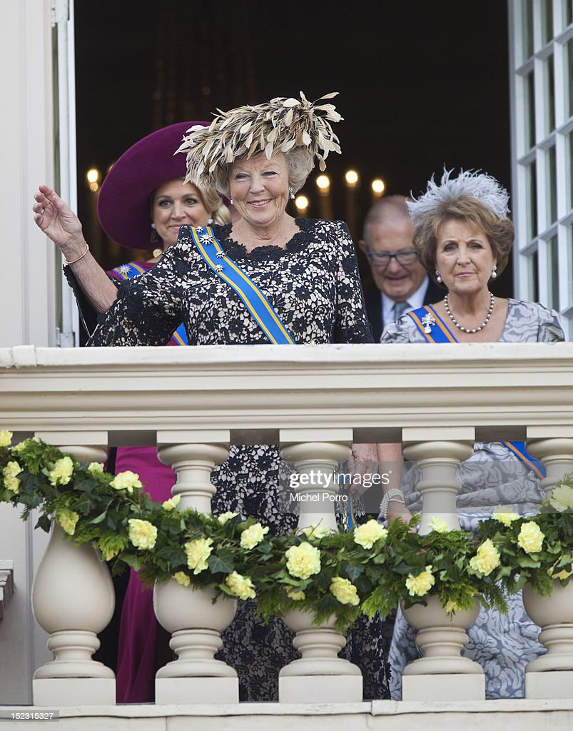 Princess Maxima of the Netherlands and Queen <a gi-track='captionPersonalityLinkClicked' href=/galleries/search?phrase=Beatrix+of+the+Netherlands&family=editorial&specificpeople=92396 ng-click='$event.stopPropagation()'>Beatrix of the Netherlands</a> attend the Budget Day announcement on September 18, 2012 in The Hague, Netherlands.