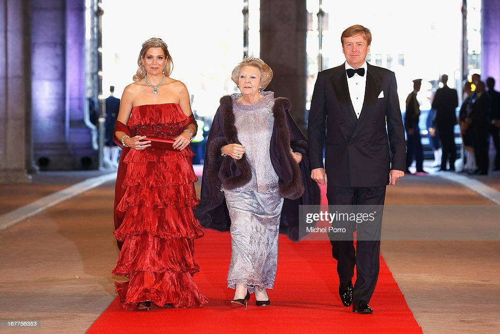 Princess Maxima of the Netherlands (L), Queen <a gi-track='captionPersonalityLinkClicked' href=/galleries/search?phrase=Beatrix+of+the+Netherlands&family=editorial&specificpeople=92396 ng-click='$event.stopPropagation()'>Beatrix of the Netherlands</a> and Crown Prince Willem-Alexander of the Netherlands (R) arrive at a dinner hosted by Queen Beatrix of The Netherlands ahead of her abdication at Rijksmuseum on April 29, 2013 in Amsterdam, Netherlands.