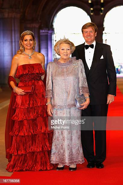 Princess Maxima of the Netherlands Queen Beatrix of the Netherlands and Crown Prince WillemAlexander of the Netherlands arrive at a dinner hosted by...