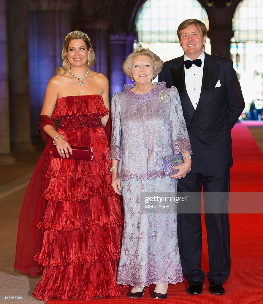 Princess Maxima of the Netherlands (L), Queen <a gi-track='captionPersonalityLinkClicked' href=/galleries/search?phrase=Beatrix+of+the+Netherlands&family=editorial&specificpeople=92396 ng-click='$event.stopPropagation()'>Beatrix of the Netherlands</a> and Crown Prince Willem-Alexander of the Netherlands arrive at a dinner hosted by Queen Beatrix of The Netherlands ahead of her abdication in favour of Crown Prince Willem Alexander at Rijksmuseum on April 29, 2013 in Amsterdam, Netherlands.