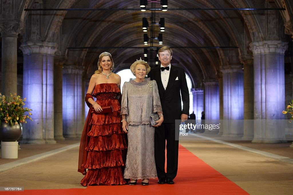 Princess Maxima of the Netherlands, Queen <a gi-track='captionPersonalityLinkClicked' href=/galleries/search?phrase=Beatrix+of+the+Netherlands&family=editorial&specificpeople=92396 ng-click='$event.stopPropagation()'>Beatrix of the Netherlands</a> and Prince Willem-Alexander of the Netherlands arrive at a dinner hosted by Queen Beatrix of The Netherlands ahead of her abdication at Rijksmuseum on April 29, 2013 in Amsterdam, Netherlands.