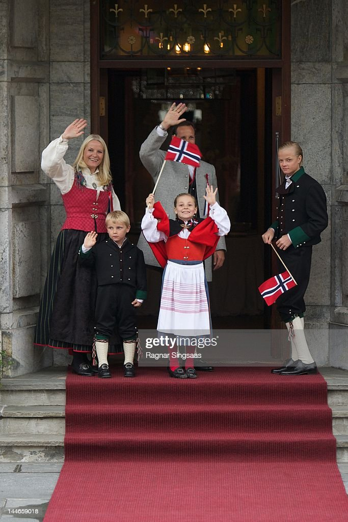Princess Mette-Marit of Norway, Prince Sverre Magnus of Norway, Prince Haakon of Norway, Princess Ingrid Alexandra of Norway and Marius Borg Hoiby greet the children on Norway's national day at Skaugum on May 17, 2012 in Asker, Norway.