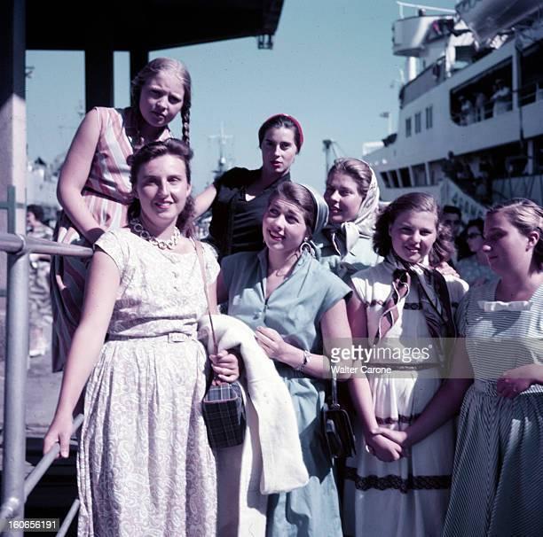 Princess Of France And Spain 1950 Croisière des princesses de France et d'Espagne Sur le paquebot la comtesse de Paris ses filles Isabelle Hélène et...