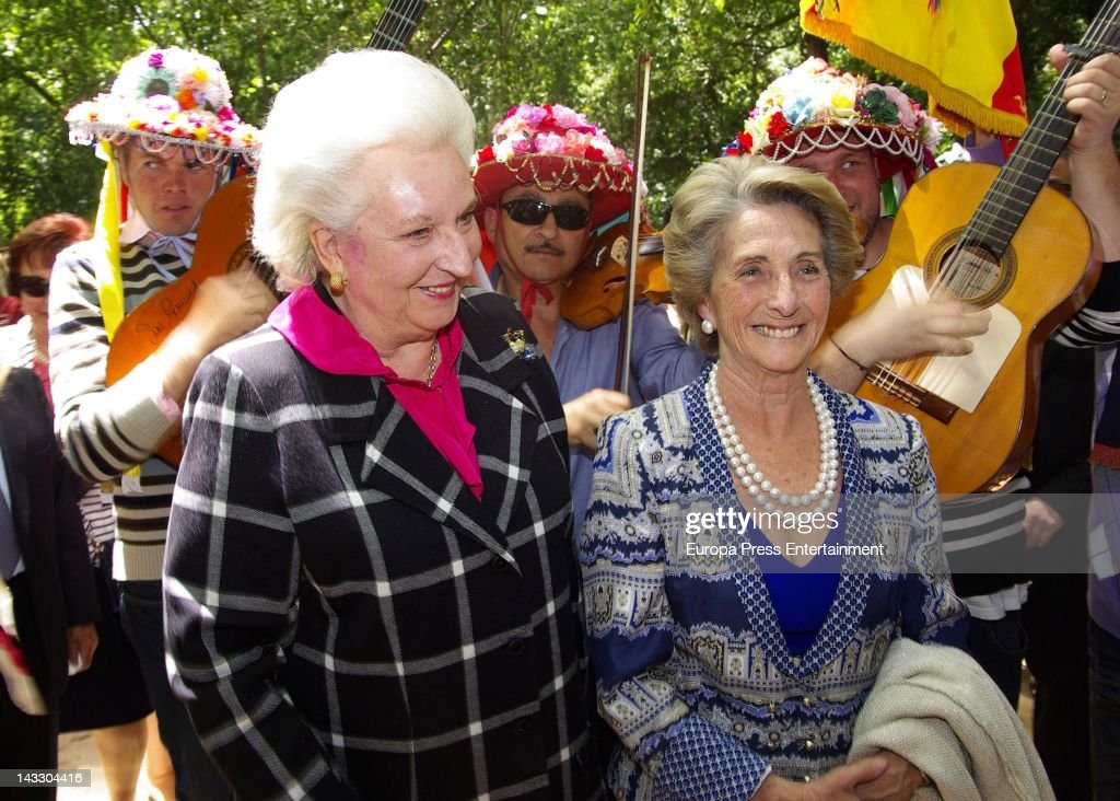 Princess Pilar (L) attends 'Nuevo Futuro' Association 40th anniversary at Concepcion plot of land on April 20, 2012 in Malaga, Spain.