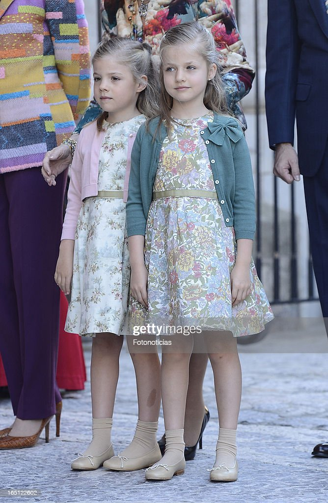 Princess Sofia of Spain and Princess <a gi-track='captionPersonalityLinkClicked' href=/galleries/search?phrase=Leonor+-+Princess+of+Asturias&family=editorial&specificpeople=6328965 ng-click='$event.stopPropagation()'>Leonor</a> of Spain attend Easter Mass at The Cathedral of Palma de Mallorca on March 31, 2013 in Palma de Mallorca, Spain.