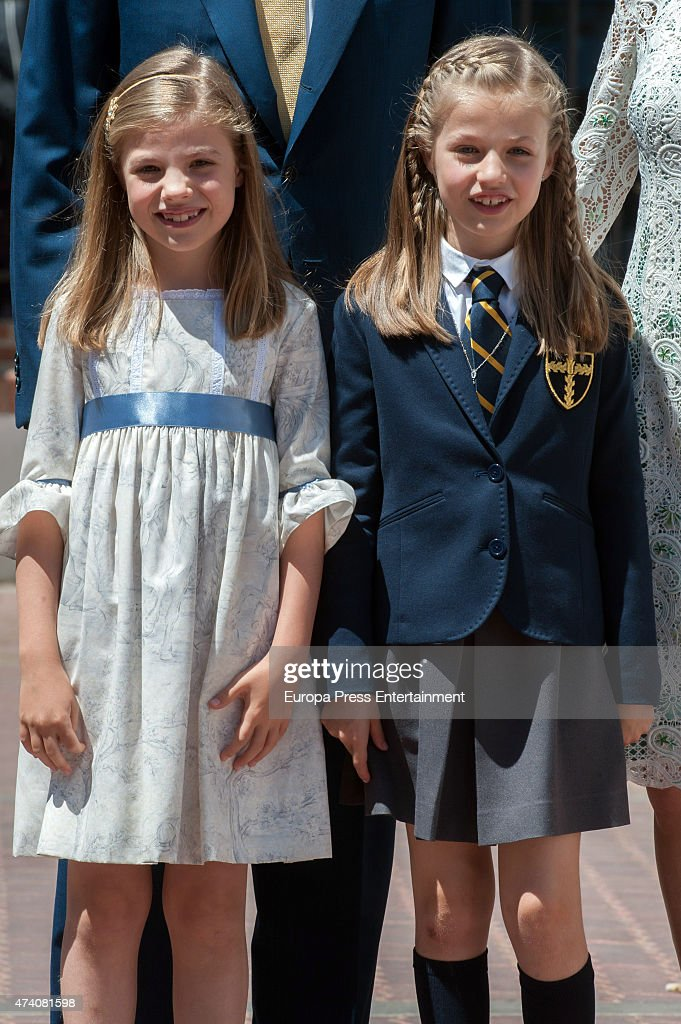 Princess Sofia of Spain (L) attends the First Communion of Princess Leonor of Spain (R) on May 20, 2015 in Madrid, Spain.