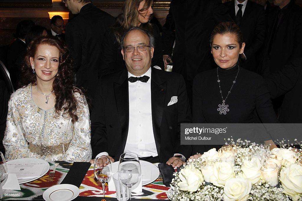 Princesse Lalla Salma of Morocco Prof David Khayat and Lola Karimova attend the Gala Dinner for Association AVEC at Chateau de Versailles on February...