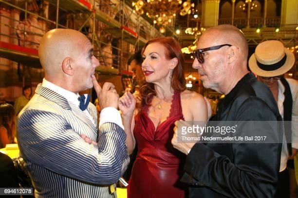 Principe Maurizio Agosti Ute Lemper and Michel Comte attend the Life Ball 2017 Gala Dinner at City Hall on June 10 2017 in Vienna Austria