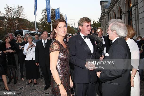 Prinzessin Caroline Von Monaco Ehemann Ernst August Von Hannover Und Intendant Andreas Mölich Zebhauser Bei Der Verleihung Des 'Herbert Karajan...