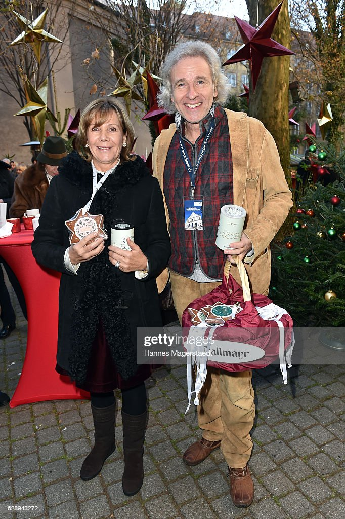 Prinzessin Ursula von Bayern and Thomas Gottschalk during the 21th BMW advent charity concert at Jesuitenkirche St. Michael on December 10, 2016 in Munich, Germany.