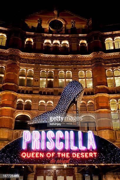 Priscilla クイーン砂漠のサイン