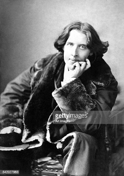 Oscar Wilde in his favourite coat, 1882