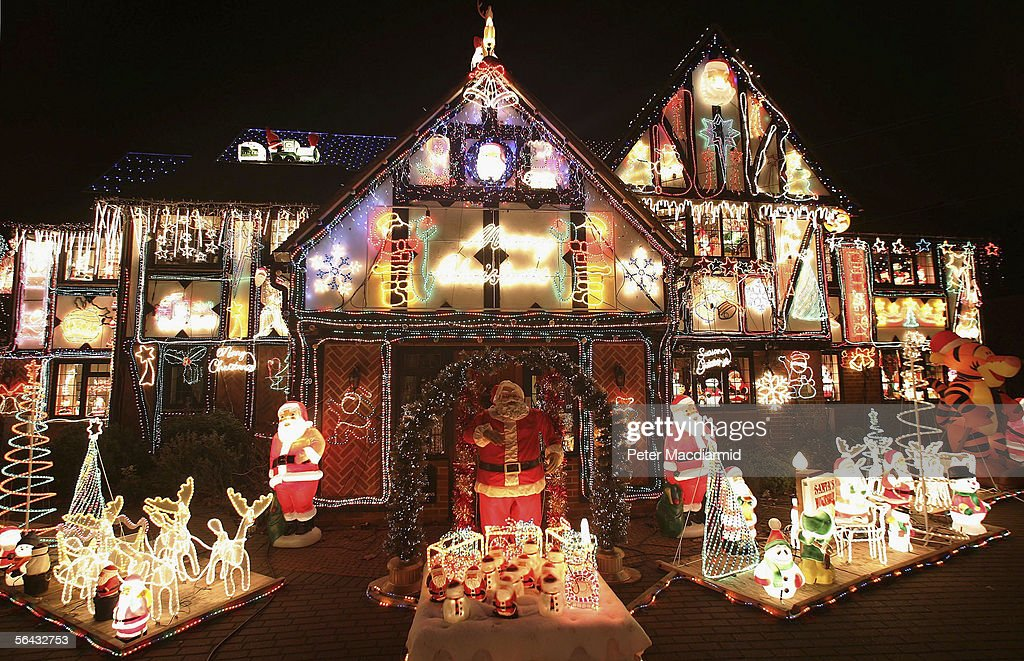 A private house displays illuminated Christmas decorations on December 14,  2005 near Reading, England