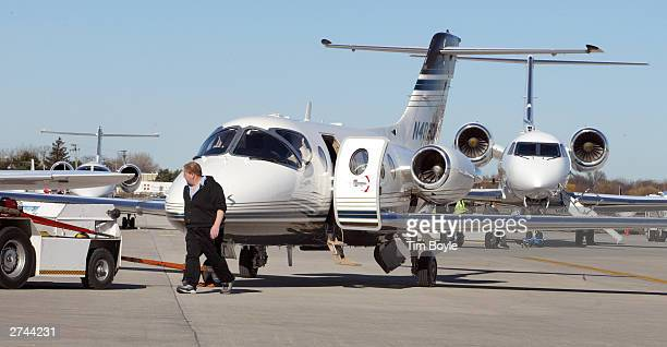Private jets are seen November 19 2003 at Palwaukee Municipal Airport in Wheeling Illinois The General Accounting Office the audit evaluation and...