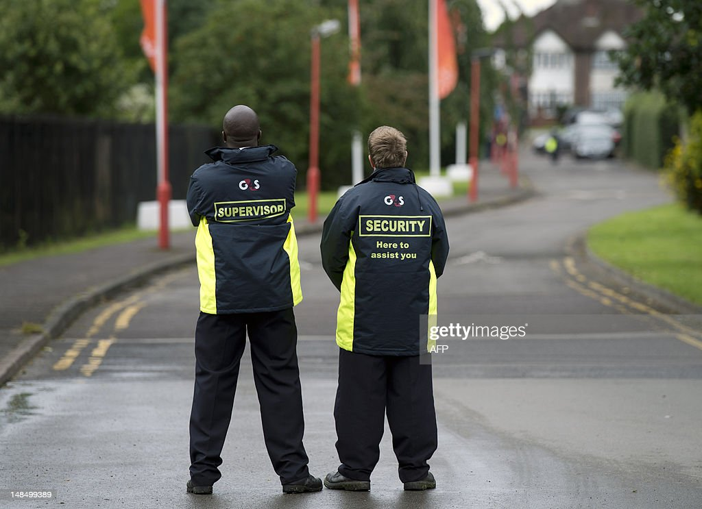 Private Security Guards G4s Secure The Entrance To