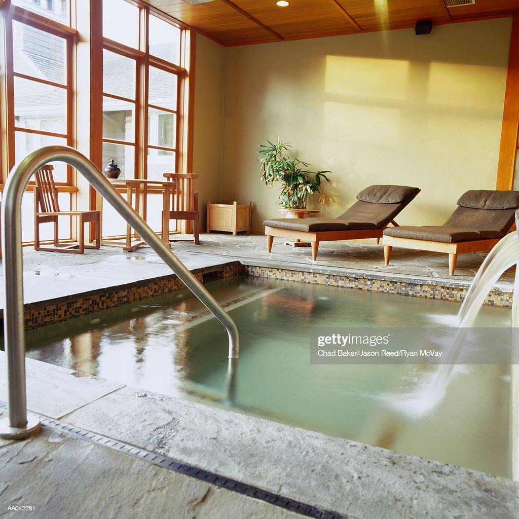 Private soaking pool at health spa : Stock Photo