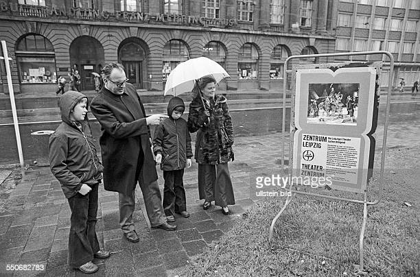 Private visit of German chancellor Helmut Kohl CDU to East Germany GDR Kohl with his wife Hannelore Walter and Peter having a walk in the center of...