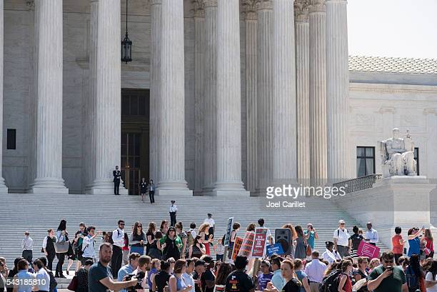 Pro-choice supporters outside the U.S. Supreme Court
