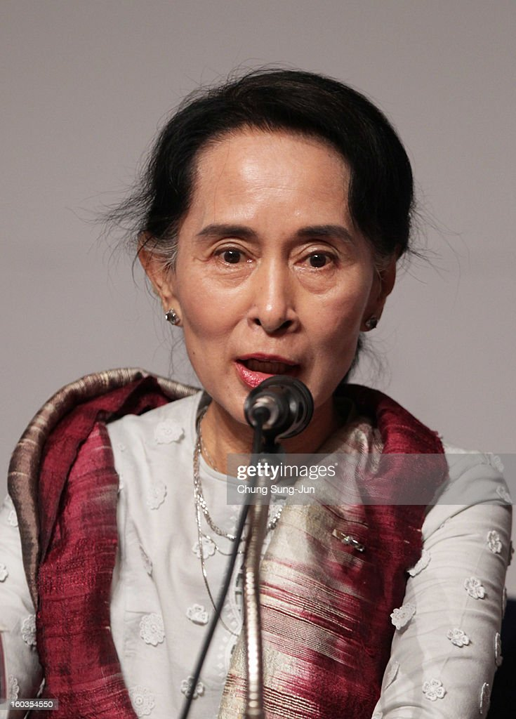 Pro-democracy leader <a gi-track='captionPersonalityLinkClicked' href=/galleries/search?phrase=Aung+San+Suu+Kyi&family=editorial&specificpeople=214208 ng-click='$event.stopPropagation()'>Aung San Suu Kyi</a> attends press conference during the Pyeongchang Special Olympic on January 30, 2013 in Pyeongchang-gun, South Korea. <a gi-track='captionPersonalityLinkClicked' href=/galleries/search?phrase=Aung+San+Suu+Kyi&family=editorial&specificpeople=214208 ng-click='$event.stopPropagation()'>Aung San Suu Kyi</a>, Myanmar's opposition leader and Nobel Peace Prize laureate is on a 5-day tour to South Korea.