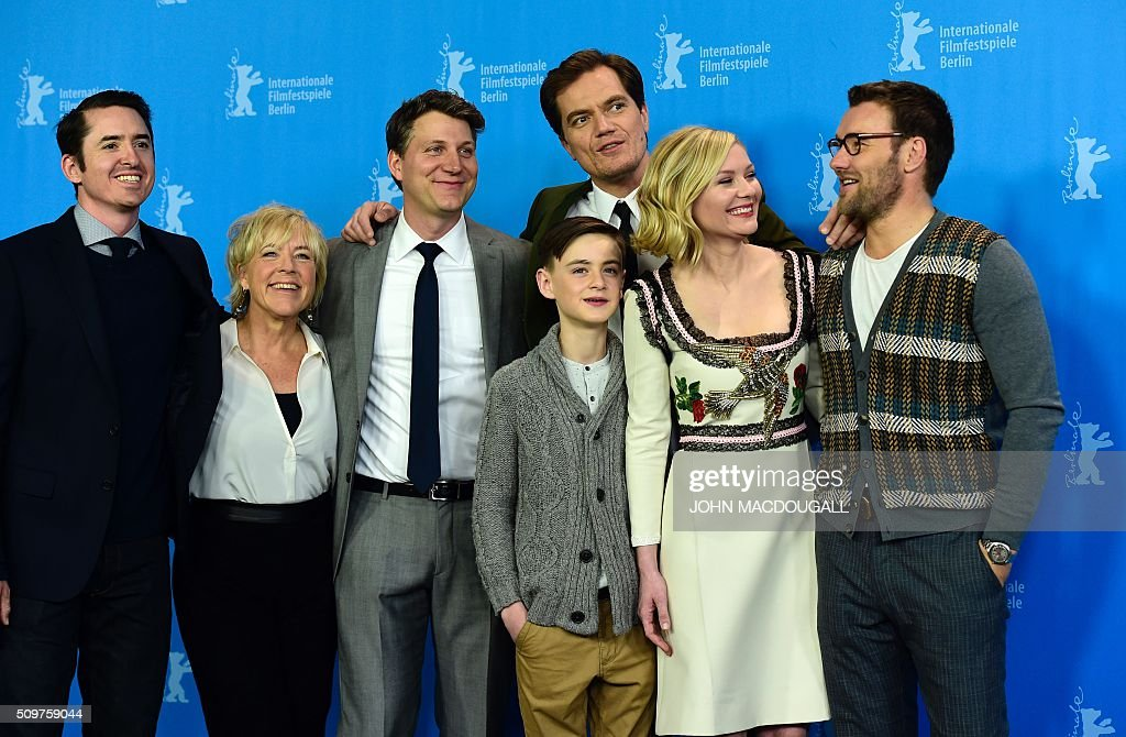 Producer Brian Kavanaugh-Jones, producer Sarah Green, US director Jeff Nichols, US actor Michael Shannon, US Jaeden Lieberher, US actress Kirsten Dunst, Australian actor Joel Edgerton attend a photo call for the film ' Midnight Special by Jeff Nichols' screened in competition of the 66th Berlinale Film Festival in Berlin on February 12, 2016. / AFP / John MACDOUGALL