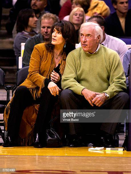 Producer Bud Yorkin and wife actress Cynthia Sikes attend the game between the Los Angeles Lakers and the Chicago Bulls on November 21 2003 at the...