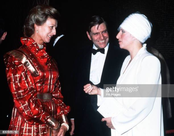 Producer director and star of the film 'Yentl' Barbra Streisand talks to Princess Alexandria at its premiere
