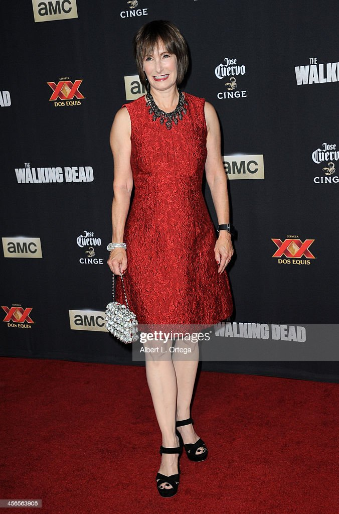 Producer <a gi-track='captionPersonalityLinkClicked' href=/galleries/search?phrase=Gale+Anne+Hurd&family=editorial&specificpeople=228412 ng-click='$event.stopPropagation()'>Gale Anne Hurd</a> arrives for the Season 5 Premiere Of 'The Walking Dead' held at AMC Universal City Walk on October 2, 2014 in Universal City, California.