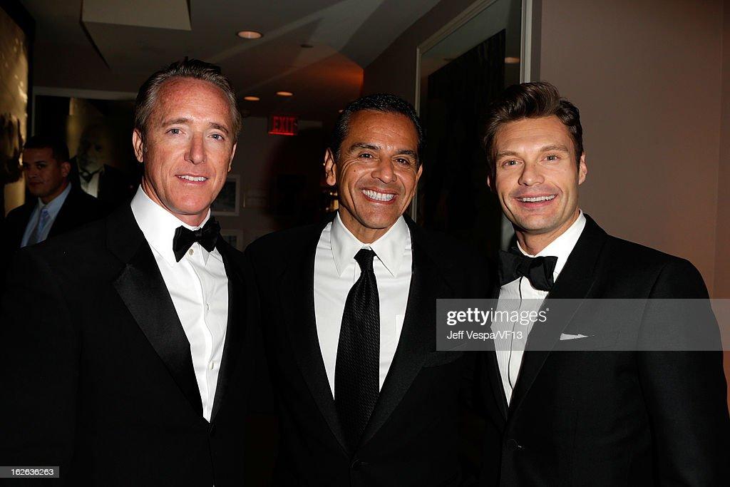Producer Geyer Kosinski, Los Angeles Mayor Antonio Villaraigosa, and Ryan Seacrest attend the 2013 Vanity Fair Oscar Party hosted by Graydon Carter at Sunset Tower on February 24, 2013 in West Hollywood, California.