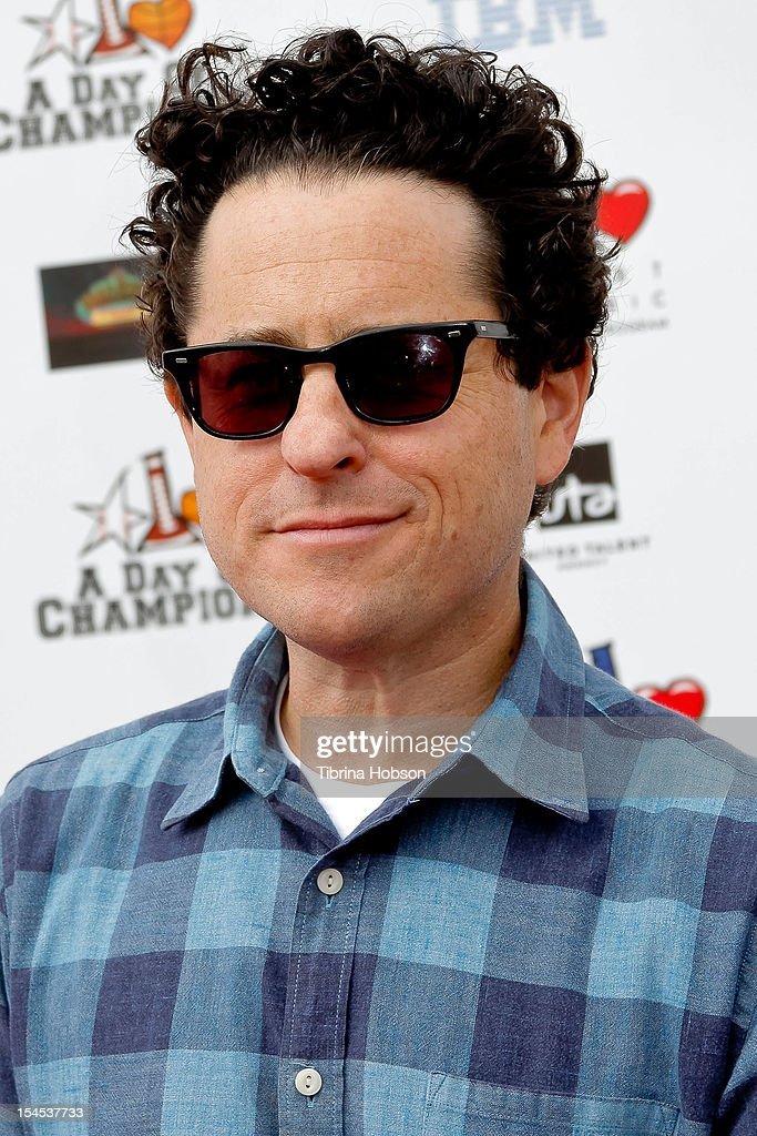 Producer <a gi-track='captionPersonalityLinkClicked' href=/galleries/search?phrase=J.J.+Abrams&family=editorial&specificpeople=253632 ng-click='$event.stopPropagation()'>J.J. Abrams</a> attends Yahoo! Sports presents 'A Day Of Champions' benefiting the Bogart Pediatric Cancer Research Program at Sports Museum of Los Angeles on October 21, 2012 in Los Angeles, California.