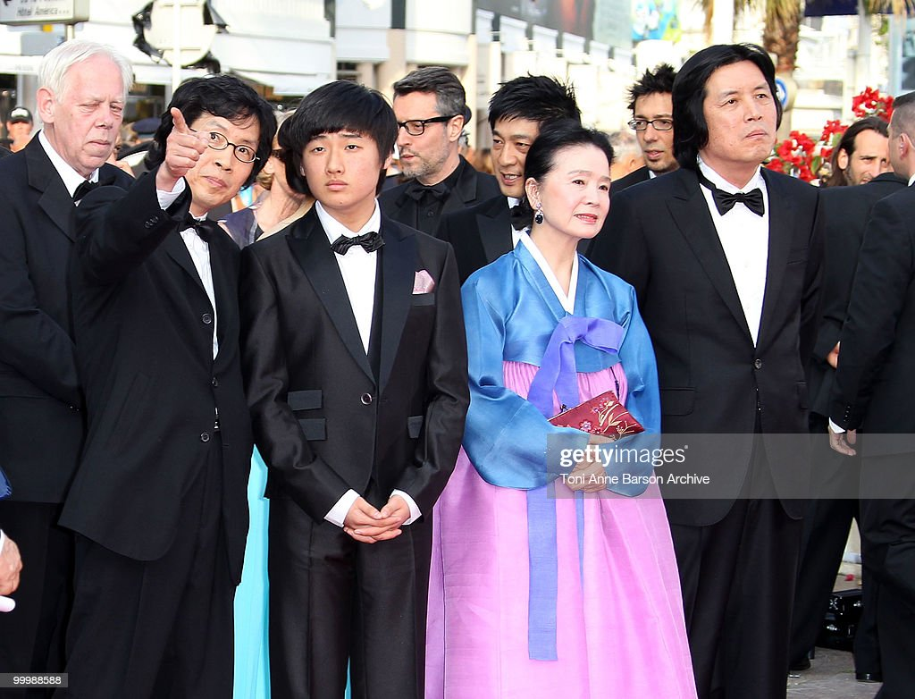 Producer Jun-dong Lee, actor David Lee, actress Jeong-hee Yoon and director Chang-dong Lee attend the premiere of 'Poetry' held at the Palais des Festivals during the 63rd Annual International Cannes Film Festival on May 19, 2010 in Cannes, France.