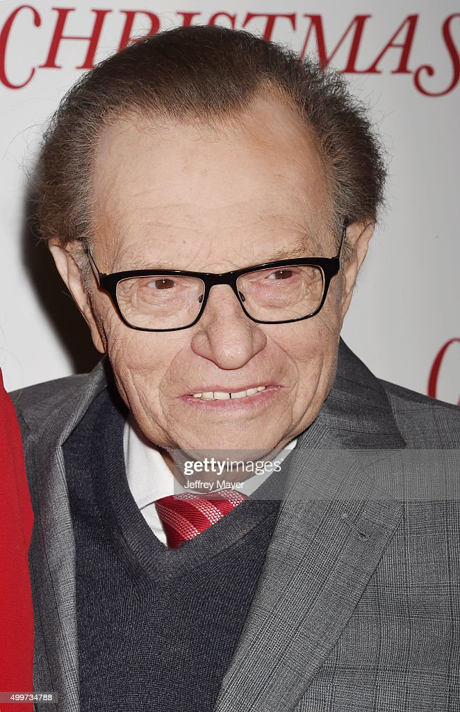 Producer Larry King arrives at the premiere of Unstuck's 'Christmas Eve' at the ArcLight - producer-larry-king-arrives-at-the-premiere-of-unstucks-christmas-eve-picture-id499734788