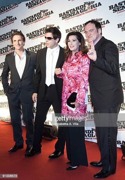 Producer Lawrence Bender Eli Roth actress Edwige Fenech and Quentin Tarantino attend 'Inglourious Basterds' Premiere at the Warner Cinema on...