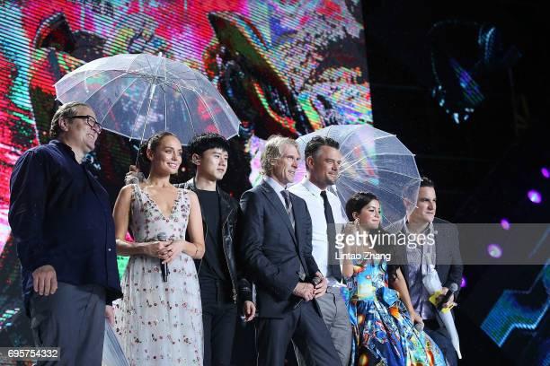 Producer Lorenzo di Bonaventura Actress Laura Haddock Singer Jason Zhang Director and Executive Producer Michael Bay Actor Josh Duhamel Actress...