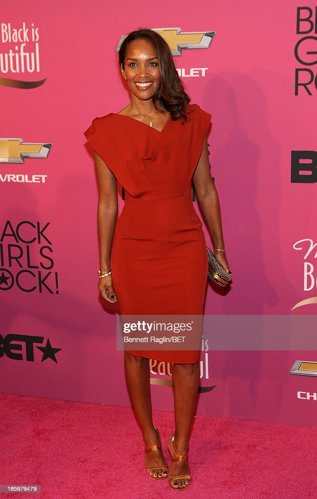 Producer <a gi-track='captionPersonalityLinkClicked' href=/galleries/search?phrase=Mara+Brock+Akil&family=editorial&specificpeople=879949 ng-click='$event.stopPropagation()'>Mara Brock Akil</a> attends BET Black Girls Rock Red Carpet at New Jersey Performing Arts Center on October 26, 2013 in Newark, New Jersey.