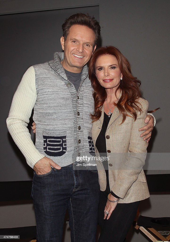 Producer <a gi-track='captionPersonalityLinkClicked' href=/galleries/search?phrase=Mark+Burnett&family=editorial&specificpeople=204697 ng-click='$event.stopPropagation()'>Mark Burnett</a> and actress/producer <a gi-track='captionPersonalityLinkClicked' href=/galleries/search?phrase=Roma+Downey&family=editorial&specificpeople=214162 ng-click='$event.stopPropagation()'>Roma Downey</a> attend 'Meet The Filmmakers' at Apple Store Soho on February 24, 2014 in New York City.