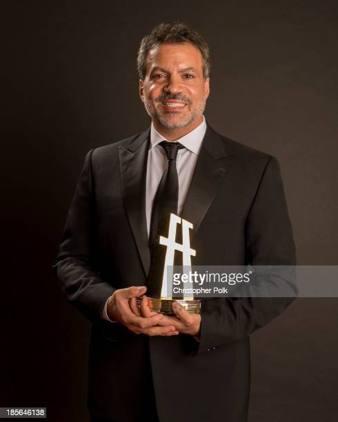 Producer Michael De Luca poses with the Hollywood Producer Award in the portrait studio during the 17th annual Hollywood Film Awards at The Beverly...