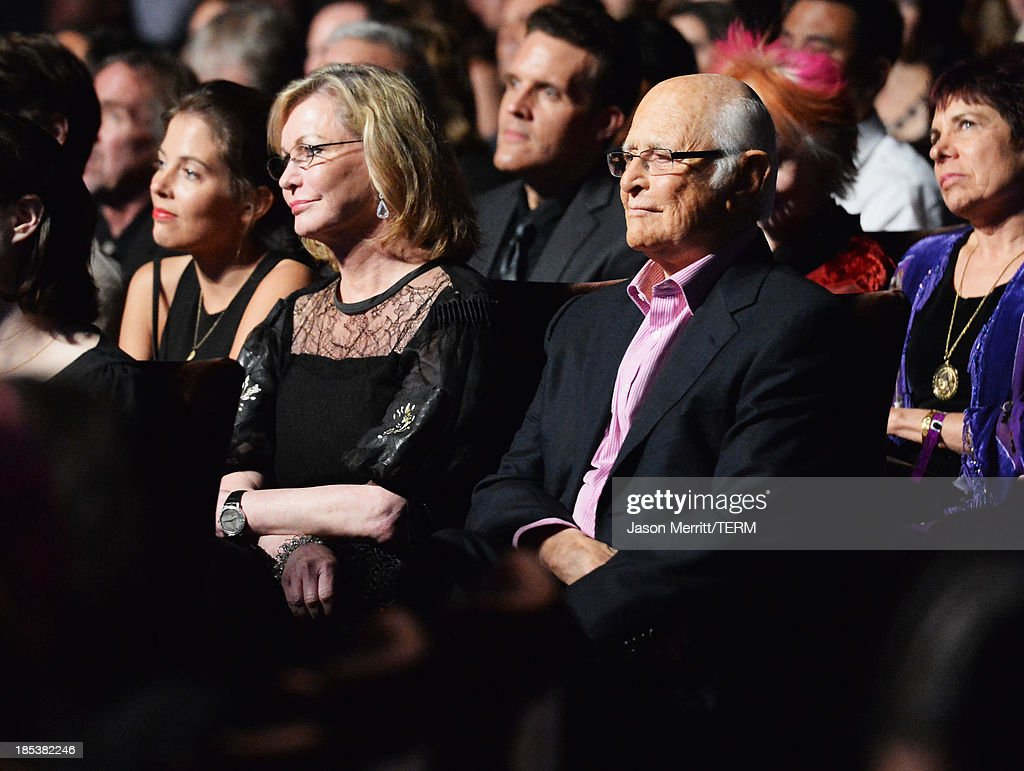 Producer Norman Lear (R) and wife Lyn Lear attend the 23rd Annual Environmental Media Awards presented by Toyota and Lexus at Warner Bros. Studios on October 19, 2013 in Burbank, California.