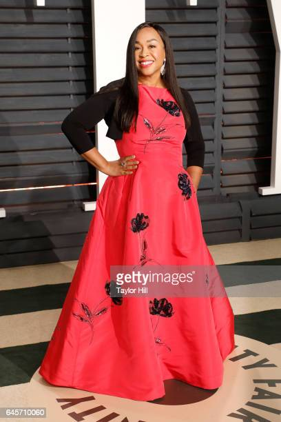 Producer Shonda Rhimes attends 2017 Vanity Fair Oscar Party Hosted By Graydon Carter at Wallis Annenberg Center for the Performing Arts on February...