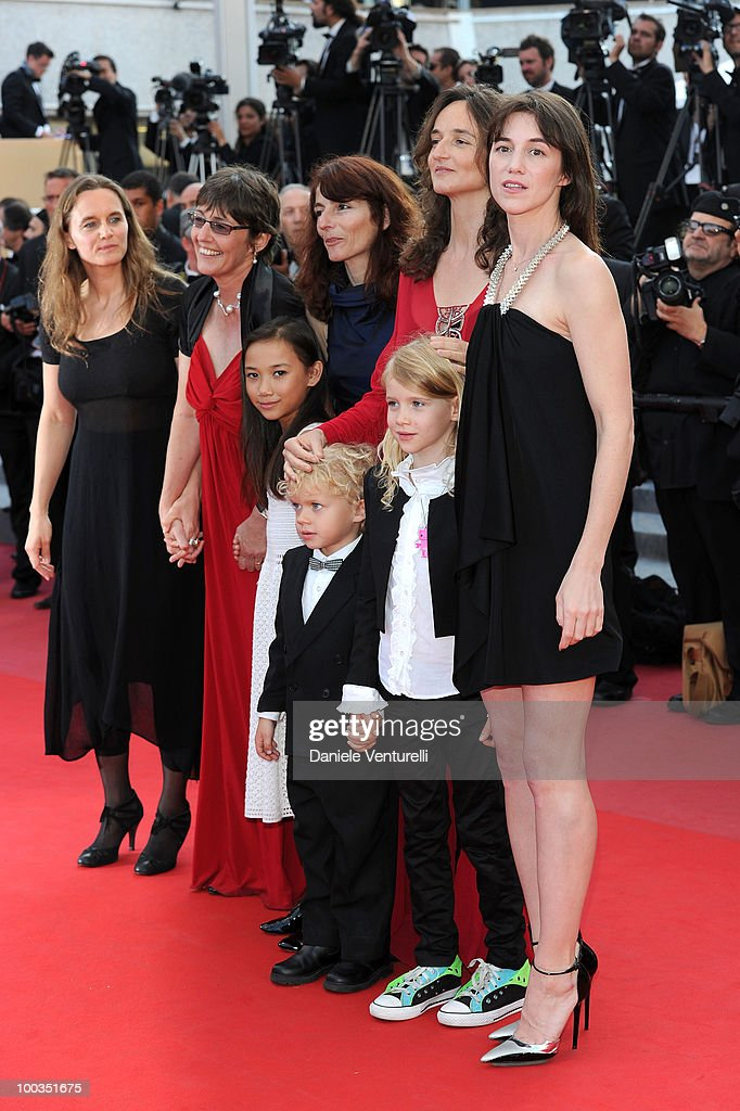 Producer Sue Taylor, actress Zoe Boe, producer Yael Fogiel, actor Gabriel Gotting, director Julie Bertucelli, actress Morgana Davies and actress Charlotte Gainsbourg attend 'The Tree' Premiere held at the Palais des Festivals during the 63rd Annual International Cannes Film Festival on May 23, 2010 in Cannes, France.