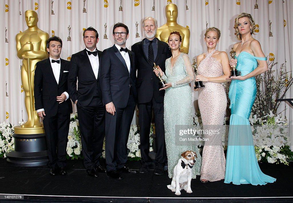 Producer Thomas Langmann actor Jean Dujardin director Michel Hazanavicius actors James Cromwell Berenice Bejo Uggie the dog Penelope Ann Miller and...