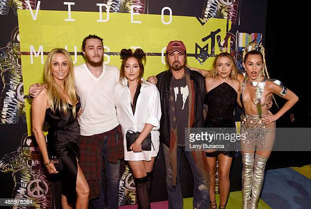 Producer Tish Cyrus actors Braison Cyrus Noah Cyrus recording artist Billy Ray Cyrus actress Brandi Glenn Cyrus and host Miley Cyrus attend the 2015...