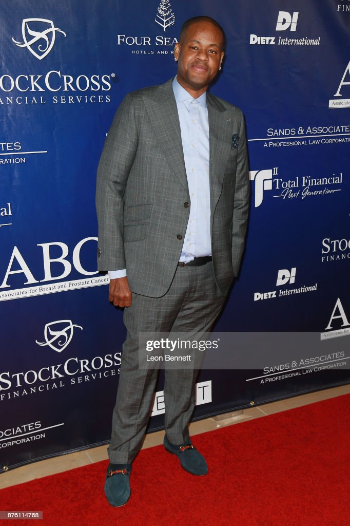 28th Annual Talk Of The Town Gala - Arrivals