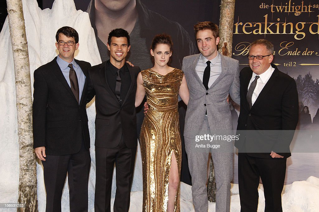 Producer Wyck Godfrey, actors Taylor Lautner, Kristen Stewart, Robert Pattinson and director Bill Condon attend the 'The Twilight Saga: Breaking Dawn Part 2' Germany premiere at Cinestar on November 16, 2012 in Berlin, Germany.