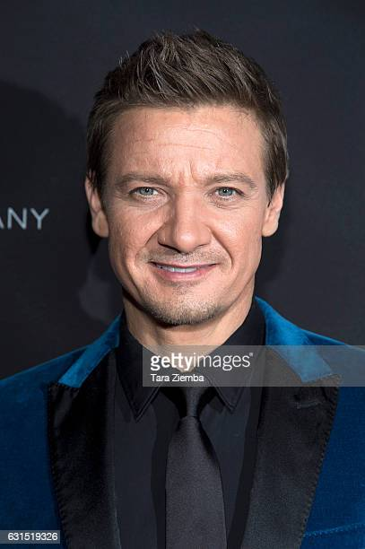 Producer/actor Jeremy Renner arrives to the premiere of The Weinstein Company's 'The Founder' at ArcLight Cinemas Cinerama Dome on January 11 2017 in...