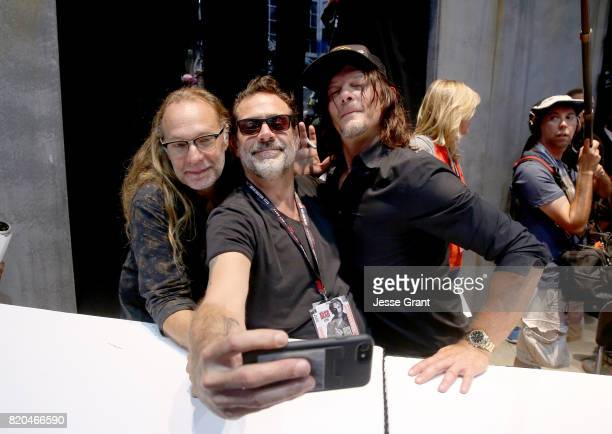 Producer/director Greg Nicotero actors Jeffrey Dean Morgan and Norman Reedus from 'The Walking Dead' take a selfie at San Diego ComicCon...