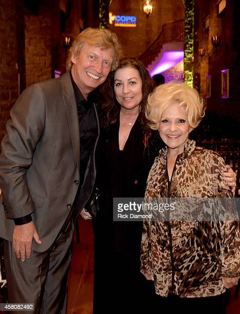 Producer/Director Nigel Lythgoe Patti Everly and Rock and Roll Hall of Fame member Brenda Lee attend A Tribute to Phil Everly to benifit COPD at the...