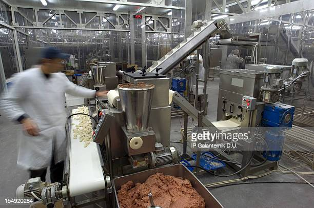 Ligne de Production dans l'usine de restauration.