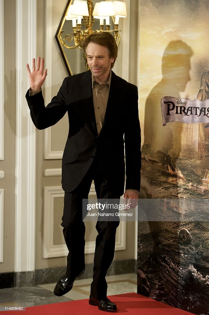 Productor <a gi-track='captionPersonalityLinkClicked' href=/galleries/search?phrase=Jerry+Bruckheimer&family=editorial&specificpeople=203316 ng-click='$event.stopPropagation()'>Jerry Bruckheimer</a> attends 'Pirates Of The Caribbean: On Stranger Tides' (Piratas del Caribe: en Mareas Misteriosas) photocall at Villamagna Hotel on May 18, 2011 in Madrid, Spain.